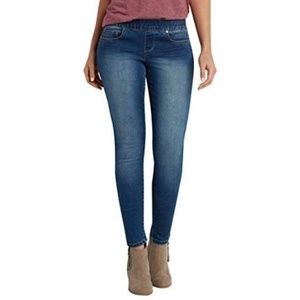 Maurices pull on style jeggings.